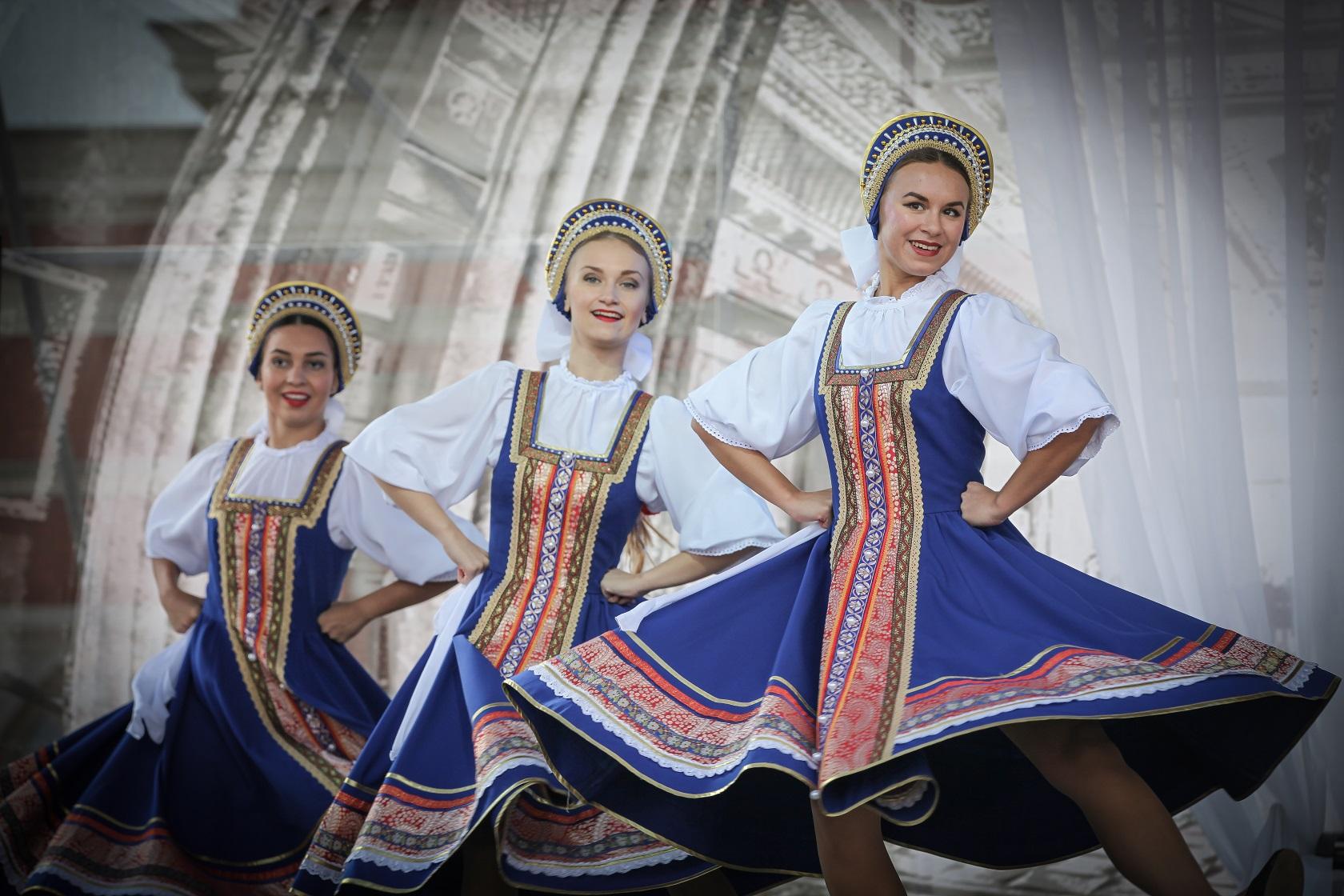 картинки российского народа показывает